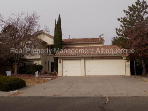 8105 Eagle Rock Avenue NE Photo 1
