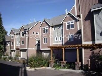 425 NE Fremont Street Photo 1