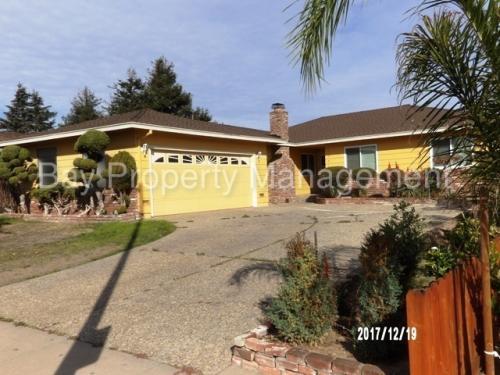 1591 Los Altos Way Photo 1