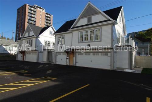 1812 N Warren Avenue Photo 1