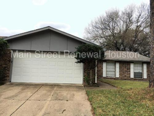 5514 Edgebrook Forest Drive Photo 1