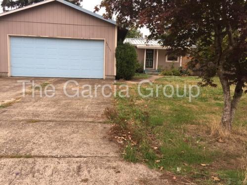 12031 SE Oak Street Photo 1