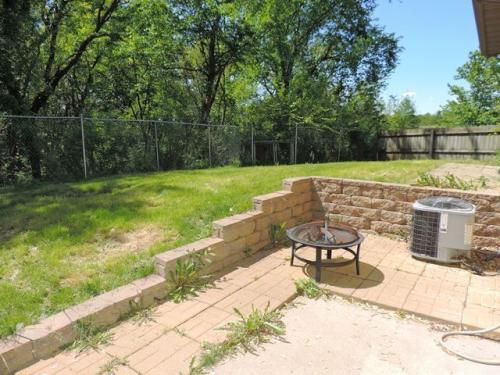 1309 Southview Circle Photo 1