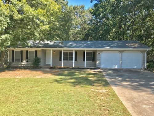 3464 Creekwood Drive SE Photo 1
