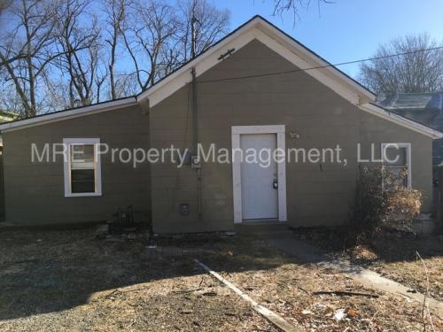 211 N Crysler Avenue Photo 1