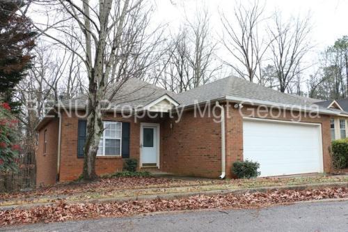 208 Oakwood Circle Photo 1