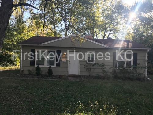 11317 Donnelly Avenue Photo 1