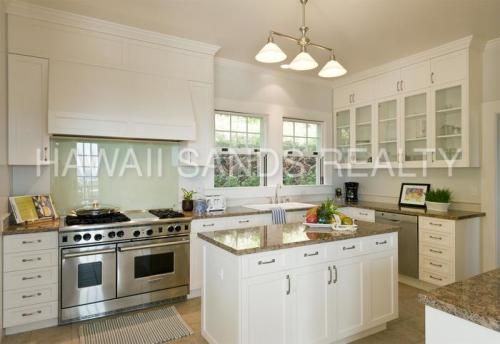 3050 Pacific Heights Road Photo 1