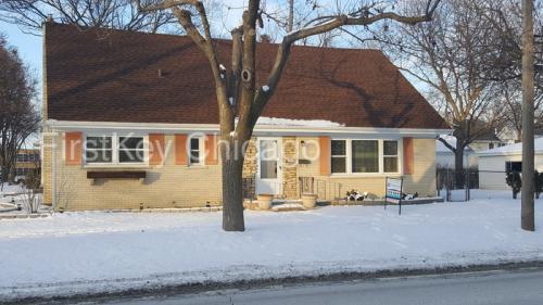 301 E Division Street Photo 1