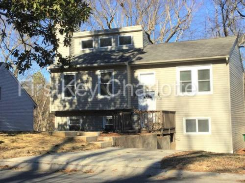 8500 Park Vista Circle Photo 1