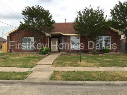2500 Crystal Falls Drive Photo 1