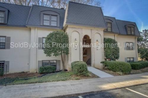 68 Chaumont Square NW Photo 1