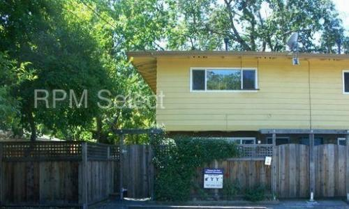 1141 Oak Avenue Photo 1