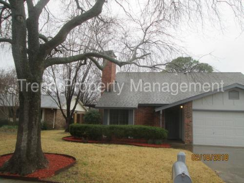 3101 Woodbridge Drive Photo 1