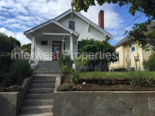 5514 N Syracuse Street Photo 1