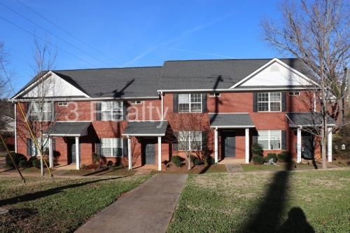 5 E Newnan Road Photo 1