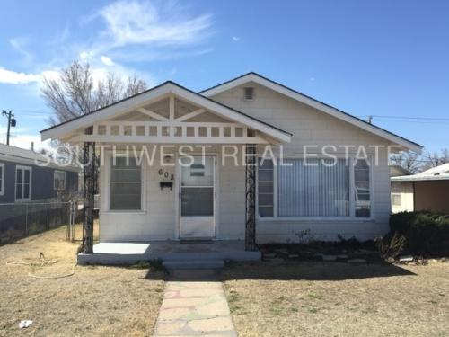 608 S Abilene Avenue Photo 1