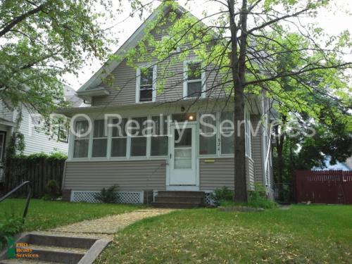 826 Thomas Avenue W Photo 1