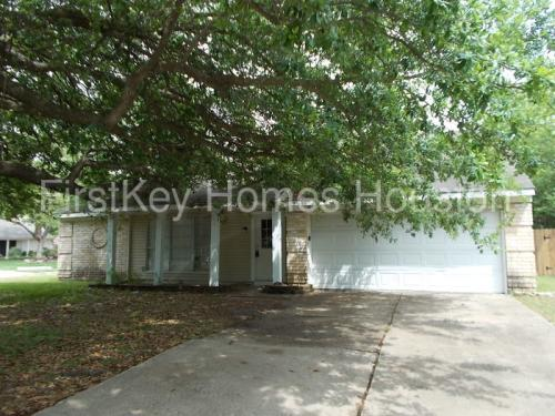 17914 Holly Forest Drive Photo 1