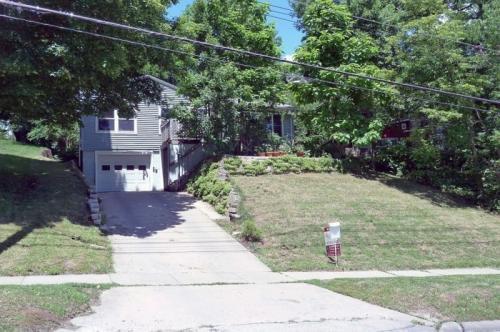 608 W Benton Street Photo 1