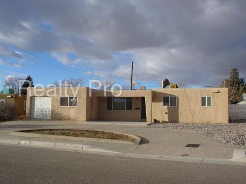 9505 Euclid Avenue NE Photo 1
