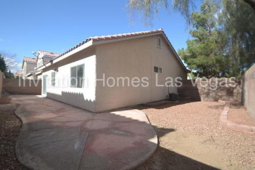 999 Clear Diamond Avenue Photo 1