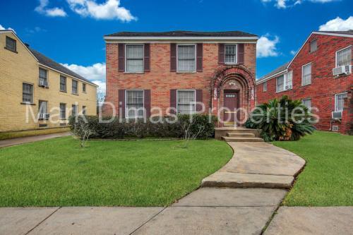 2808 Cleburne Street Photo 1