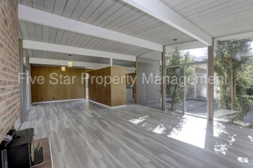 3333 Middlefield Road Photo 1