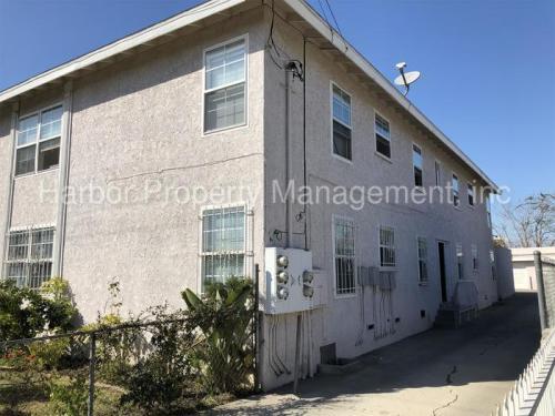 3927 W 105th Street Photo 1
