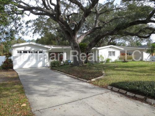 3315 W Beaumont Street Photo 1