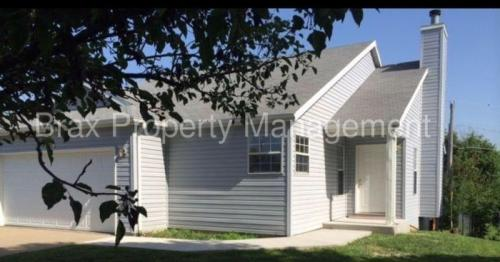 1035 Butterfield Drive Photo 1
