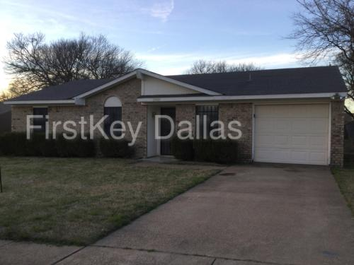 2909 Pine Trail Road Photo 1