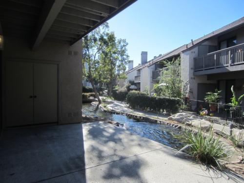10561 Lakeside Drive S Photo 1
