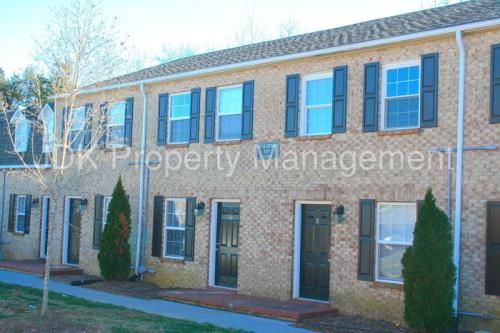 117 Ivey Road #G Photo 1