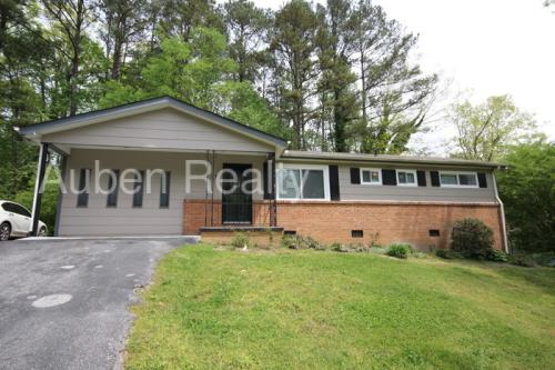 903 Curleque Drive Photo 1