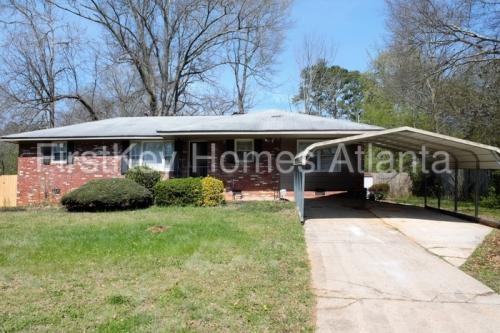 936 Green Valley Road SW Photo 1