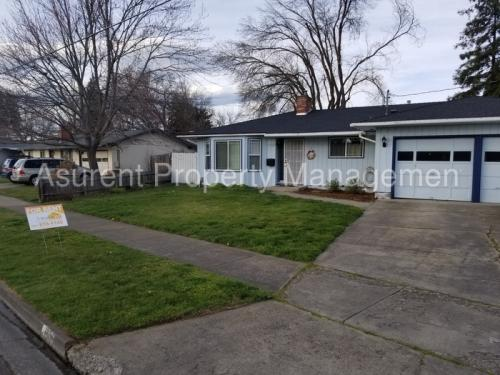 1521 Johnson Street Photo 1