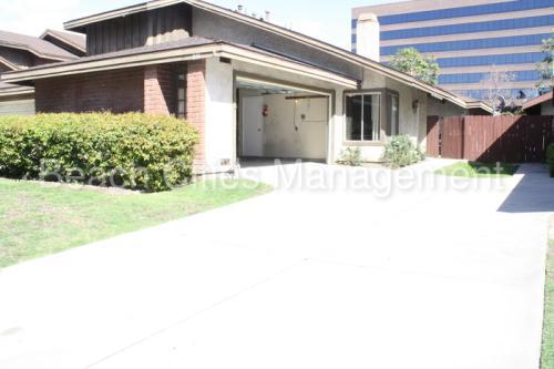 835 S Park Vine Street Photo 1