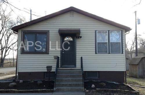 3801 Maple Street Photo 1