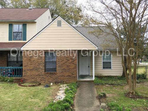 721 Cahaba Manor Court Photo 1