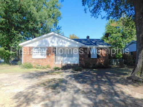 3948 Comanche Road Photo 1