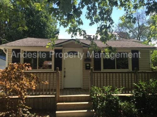 34114 Lakeshore Boulevard Photo 1