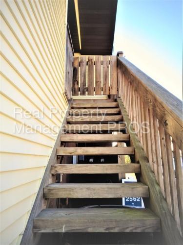 2562 Fox Ridge Court #38 Photo 1