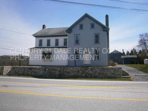 7324 Lincoln Highway Photo 1
