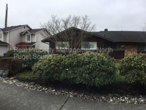226 N Stillaguamish Avenue Photo 1