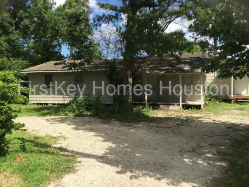 16710 Forest Trail Drive Photo 1