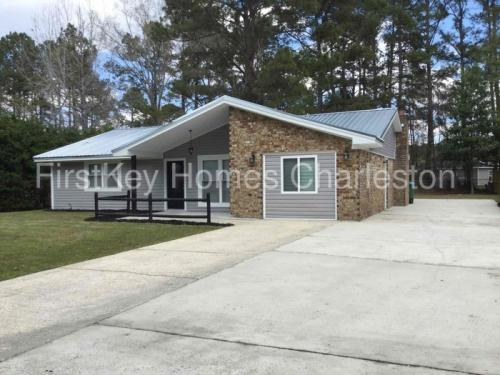 111 Ford Court Photo 1