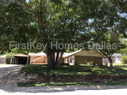 4004 Willow Bend Road Photo 1