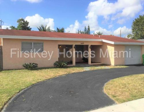6620 NW 21st Court Photo 1