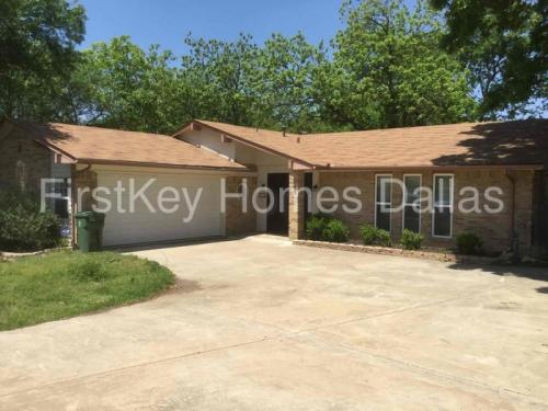 903 Cypress Court Photo 1